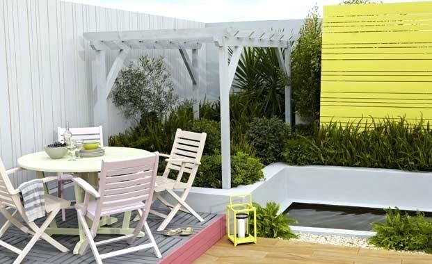 15 Alluring Colors to Re-paint Your Garden